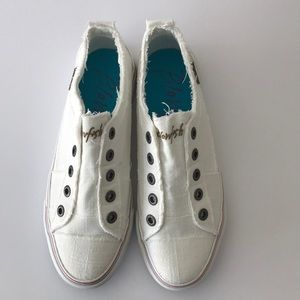 Blowfish white sneakers size 9